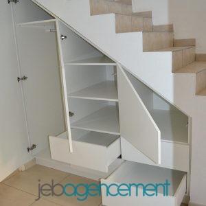 Rangement Sous Escalier – Ouvert